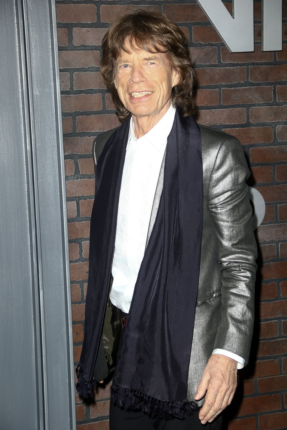 Déjà grand-père et même arrière grand-père, Mick Jagger se dit heureux d'élargir sa famille.