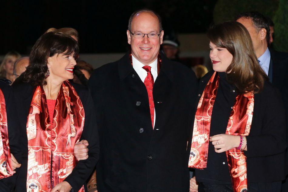 La princesse Stéphanie de Monaco, son frère, le prince Albert II de Monaco II et Camille Gottlieb, la dernière fille de la princesse lors du 40e Festival International du Cirque de Monte-Carlo, le 16 janvier 2016.