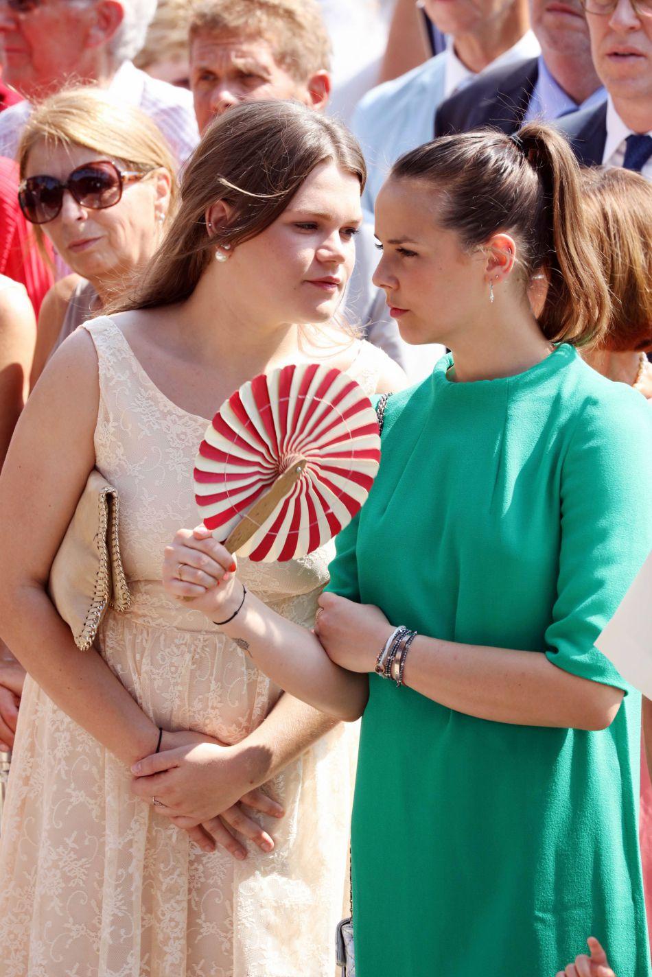 Camille Gottlieb et Pauline Ducruet lors de la célébration des dix ans de règne du prince Albert II de Monaco à Monaco, le 11 juillet 2015.