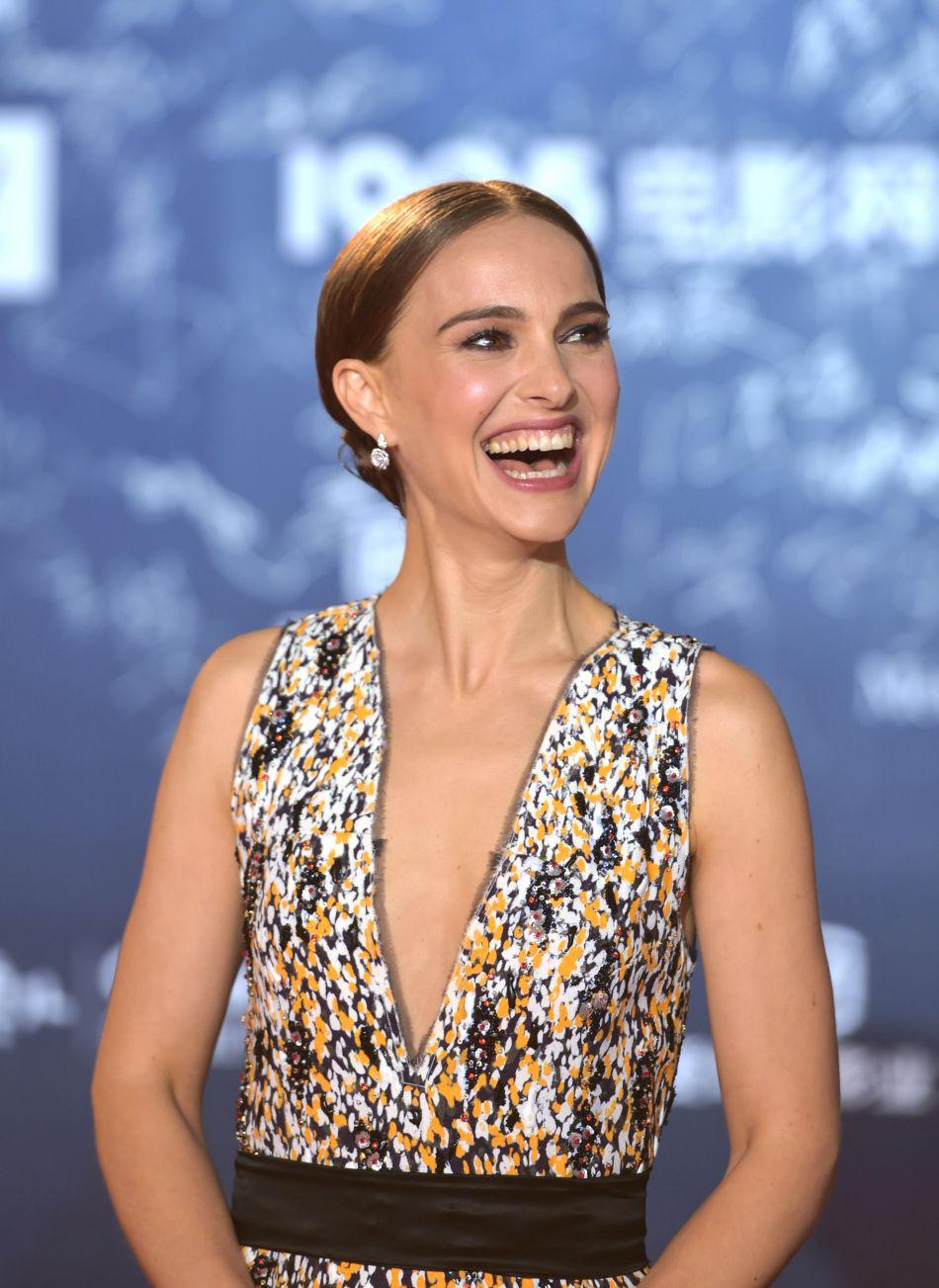 En plus de son rôle d'actrice internationale, Natalie Portman doit assurer son statut de maman.