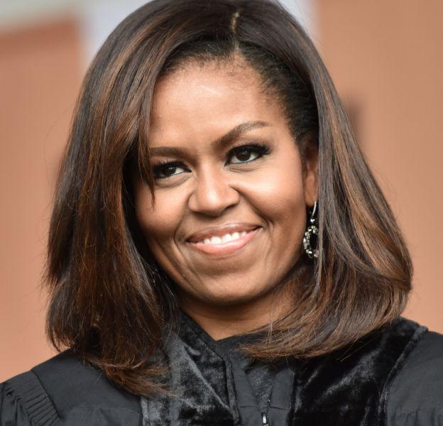 """Michelle Obama est l'une nombreuses stars à participer au programme court """"Carpool karaoké"""" de James Corden, et ça promet!"""