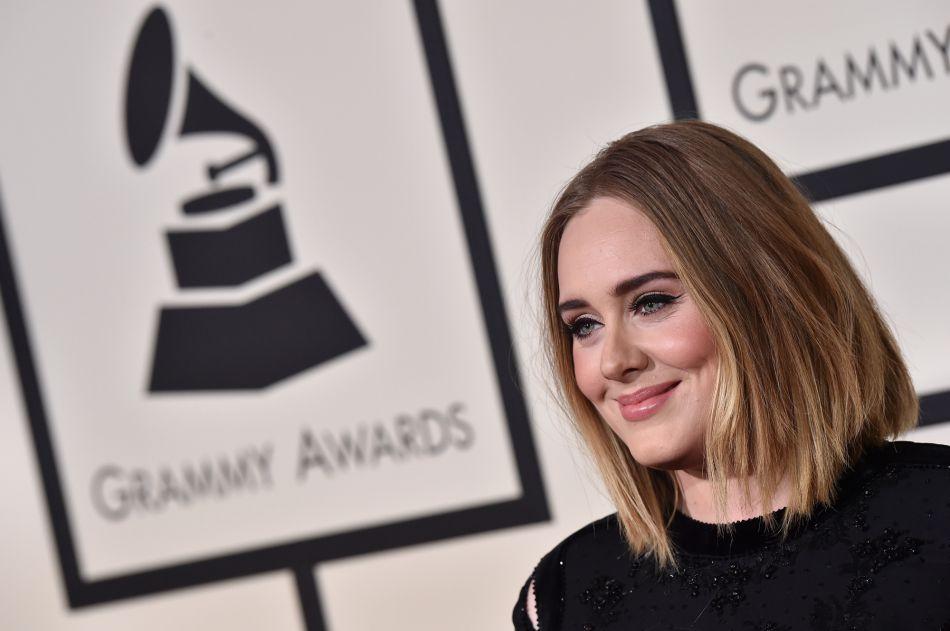 Adele aussi s'est mis au lob pour son grand retour sur scène.