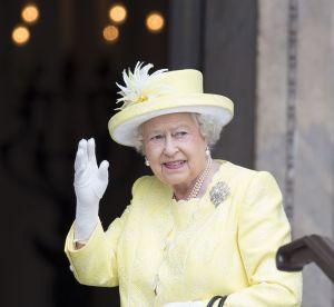 Elizabeth II : les tenues incontournables de la reine exposées à Buckingham