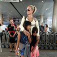 Où qu'elle aille, Laeticia Hallyday emmène ses filles Jade et Joy avec elle.