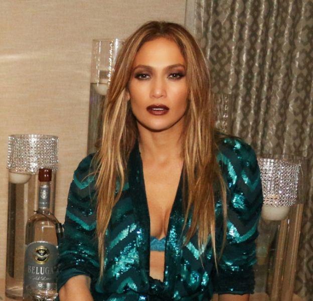 Jennifer Lopez : la bomba latina se la joue ultra sexy pour ses 47 ans !