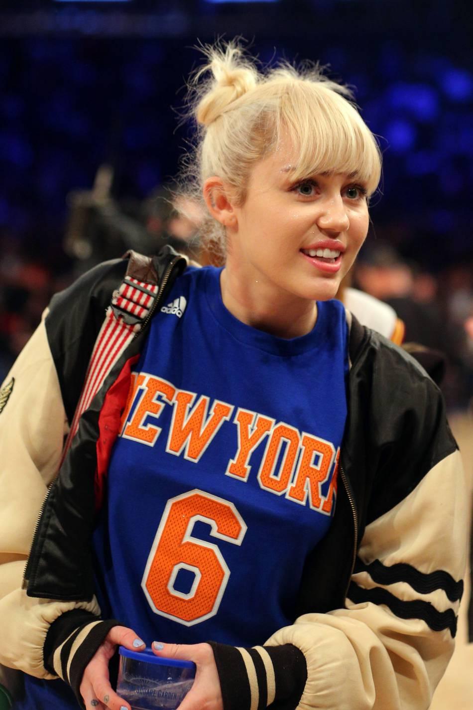La chanteuse Miley Cyrus pourrait s'être mariée en cachette avec son petit-ami Liam  Hemsworth !