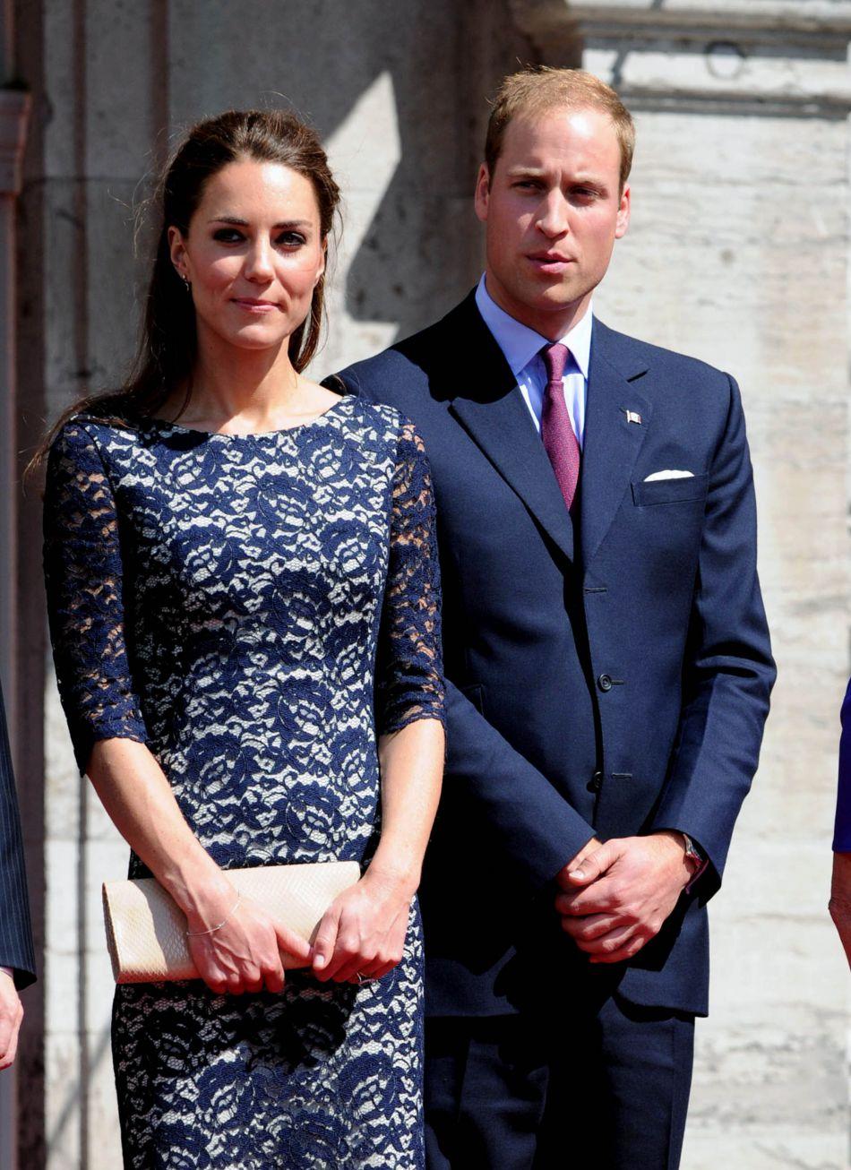 Kate et William au Canada en 2011, alors tout jeunes mariés. Amèneront-ils leurs deux enfants avec eux pour leur prochain séjour canadien à l'automne prochain ?