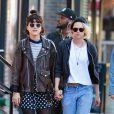Kristen Stewart évoque très rarement ses problèmes de coeurs dans les médias, mais cette fois ci elle souhaite prouver son amour à Alicia  Cargile. Ici, elle était encore en couple avec Soko.