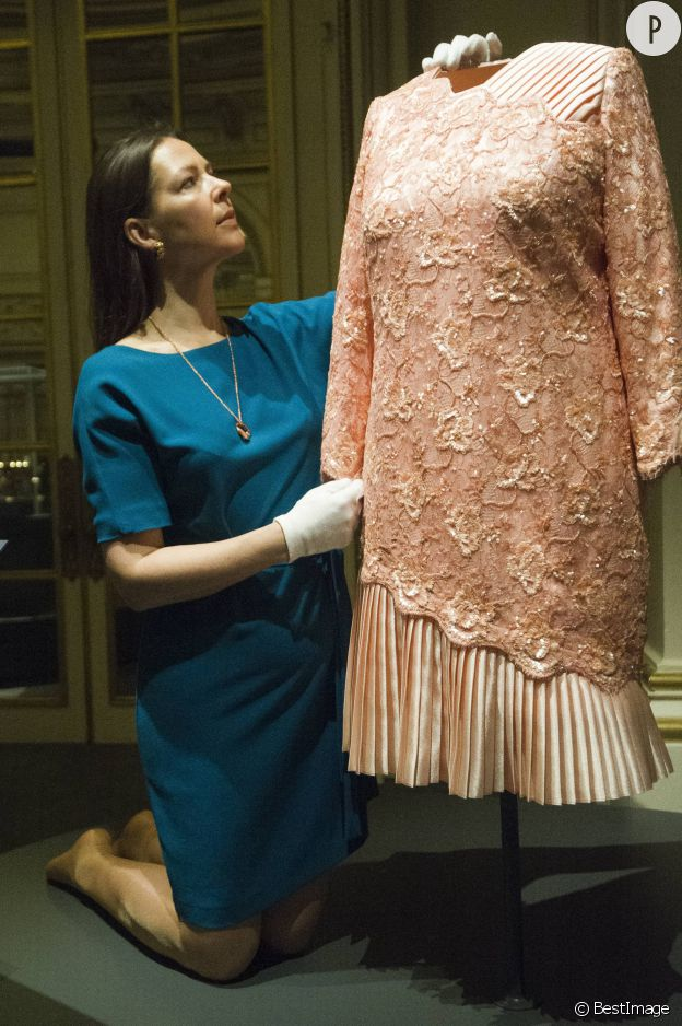 La robe portée par la reine lors de la cérémonie d'ouverture des Jeux Olympiques de Londres en 2012.