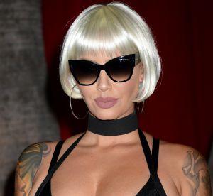 Amber Rose : poitrine moulée et perruque blonde à la soirée Maxim