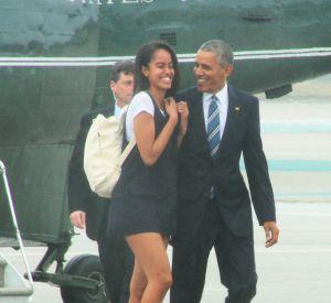 Malia Obama n'est pas sur les réseaux sociaux à cause des recommandations du service sécurité de la Maison Blanche, mais ça ne l'empêche pas de montrer ses fesses en dansant !