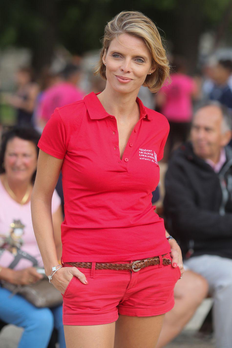 Miss France 2002 n'a rien perdu de sa superbe, 15 ans après son règne, Sylvie Tellier est rayonnante.