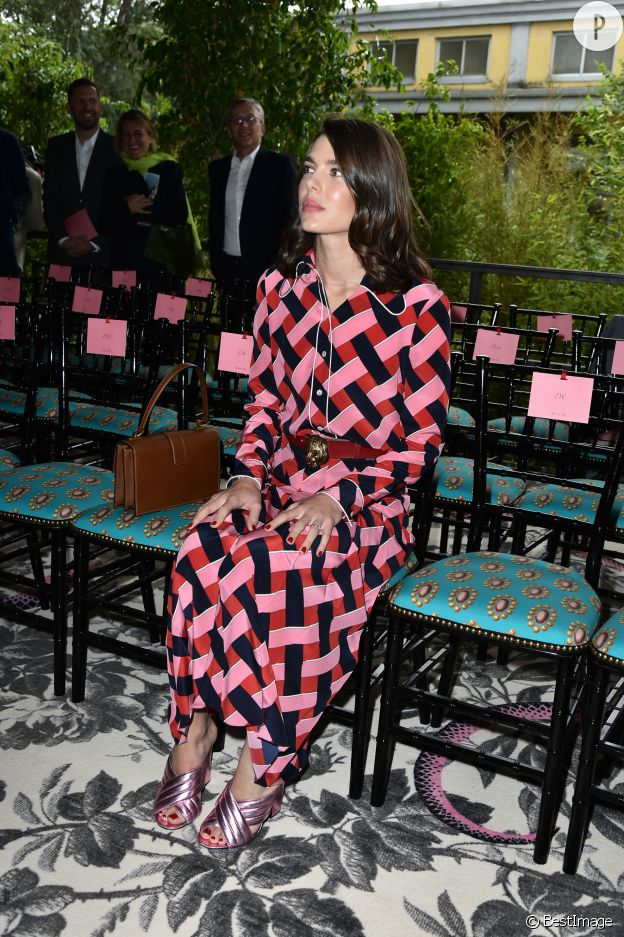 En front row chez Gucci, on ne voit que Charlotte Casiraghi.