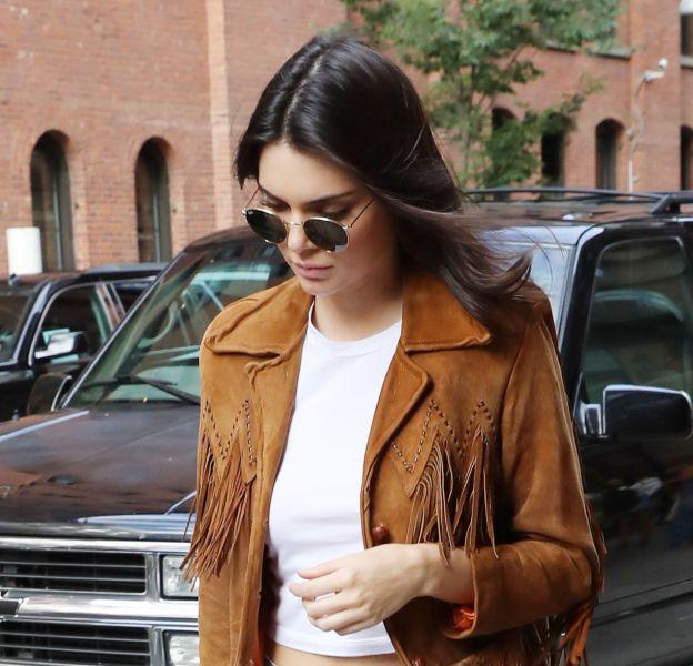 Kendall Jenner embrase Instagram dans un cliché en bikini.