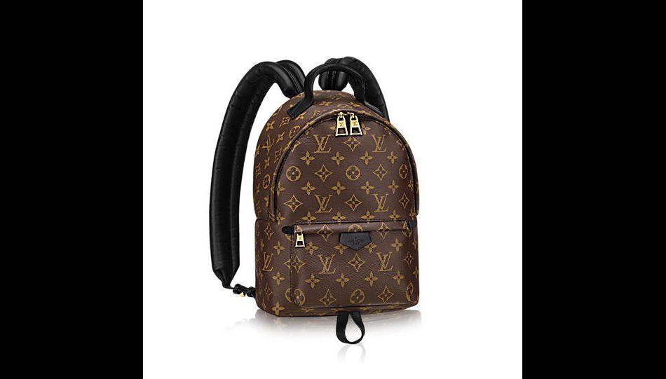 Sac à dos Louis Vuitton, toile enduite et cuir de veau, 1 390 ... cf0ba4ab885