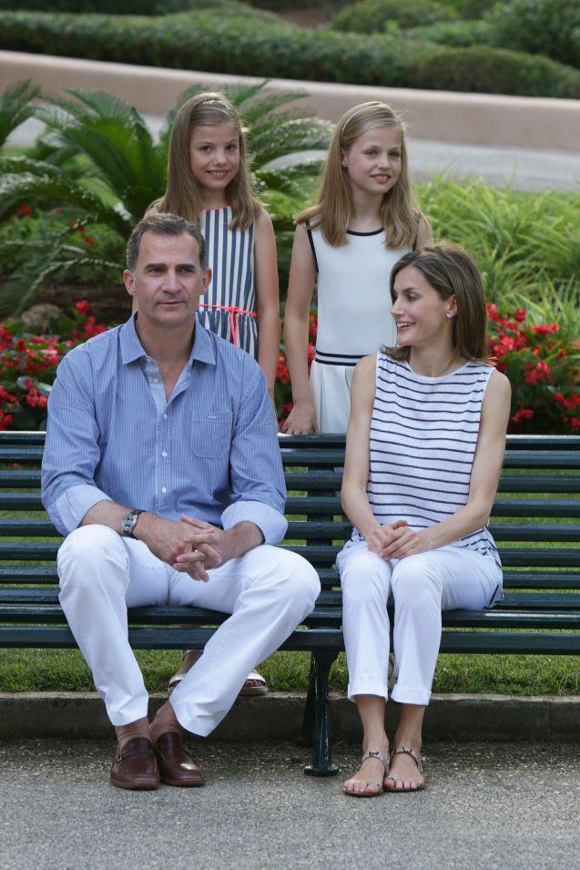Letizia Despagne Ses Filles Sofia Et Leonor Sont Deux