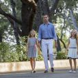 Rendez-vous avec le roi Felipe VI, la reine Letizia et leurs deux filles les princesses Leonor et Sofia dans les jardins du palais Marivent à Palma de Majorque le 4 août 2016. Le palais Marivent est la résidence d'été de la famille royale.  Palma de Mallorca, 04-08-2016 Photo session with King Felipe and Queen Letizia and their daughters Princess Leonore and Princess Sofia in the Garden of the Marivent Palace.04/08/2016 - Palma de Mallorca