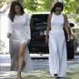La  sexy mommy  Kim Kardashian lors d'une réunion familiale, ce vendredi 5 août.