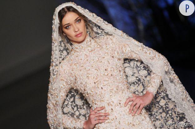 La brésilienne Ana Beatriz Barros fait une belle mariée.