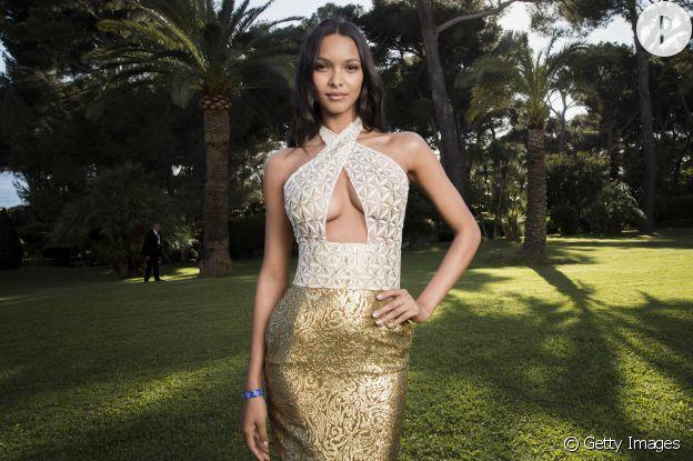 Lais Ribeiro est une mannequin et Ange de Victoria's Secret très sexy.