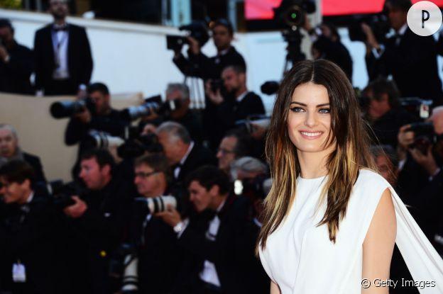 A 33 ans, Isabeli Fontana est toujours aussi sexy.