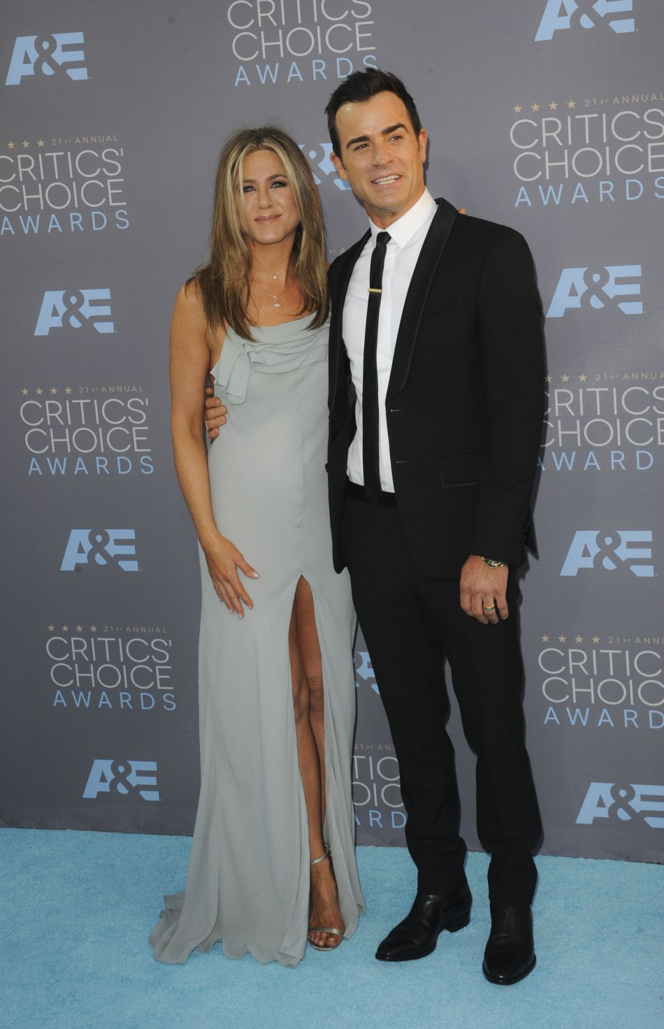 Malgré la lettre ouverte de Jennifer Aniston aux journaux people, ces derniers continuent de la mettre en couverture de leurs magazines.