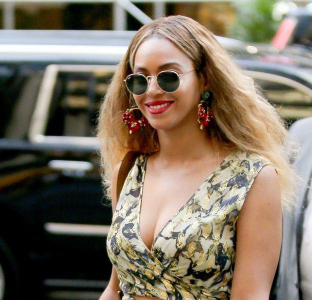 Heureuse du succès de sa tournée internationale, Beyoncé profite de son été en Italie.