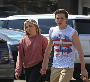 La relation est approuvée par les Beckham et les Moretz et Brooklyn montre à quel point il peut se comporter en gentleman du haut de ses 17 ans.