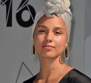 Un tournant qui fait plaisir. Alicia Keys profite de sa célébrité pour mettre de la lumière sur les sujets de société les plus délicats.