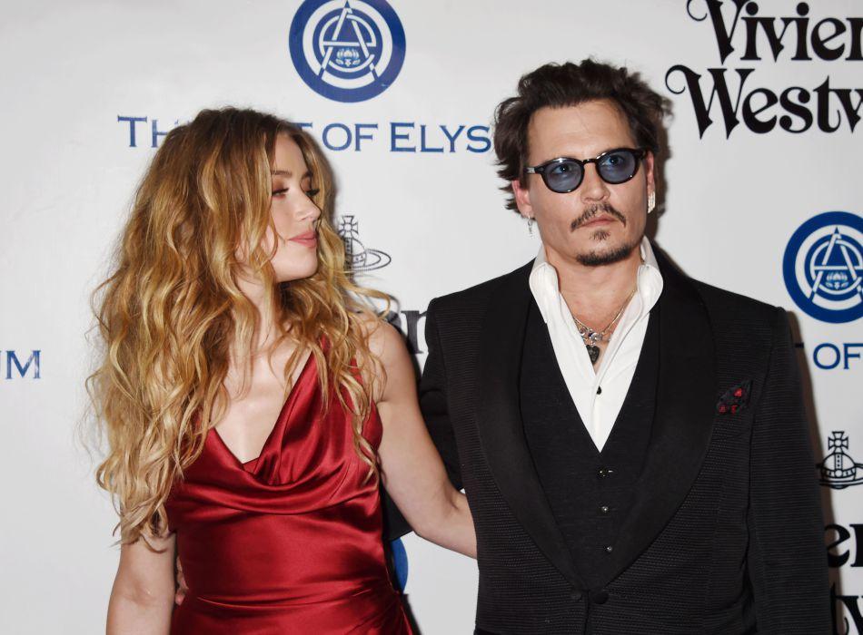 """Après avoir épousé l'acteur en février 2015, Amber Heard a demandé le divorce en mai 2016 et cite des """"différends irréconciliables""""."""