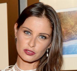 Malika Ménard : la Miss toute en courbes et en kaki en Espagne !