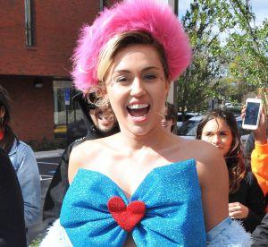Miley Cyrus : look déjanté pour se rendre dans une université
