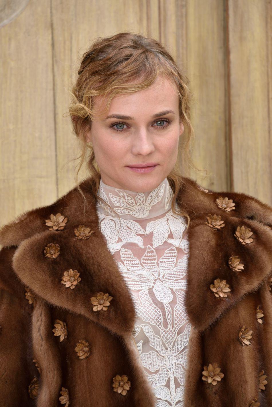 Un nouveau look canon pour Diane Kruger.