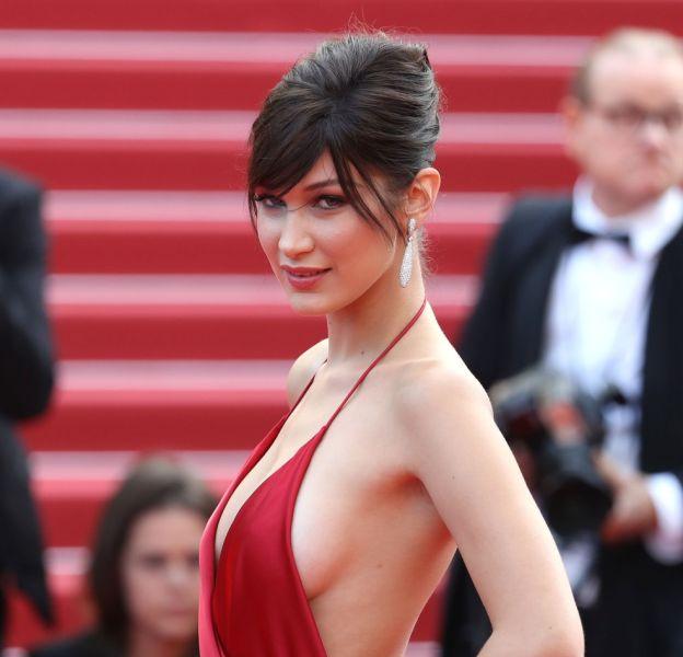 Bella Hadid est toujours très sexy sur le podium ou sur le tapis rouge.