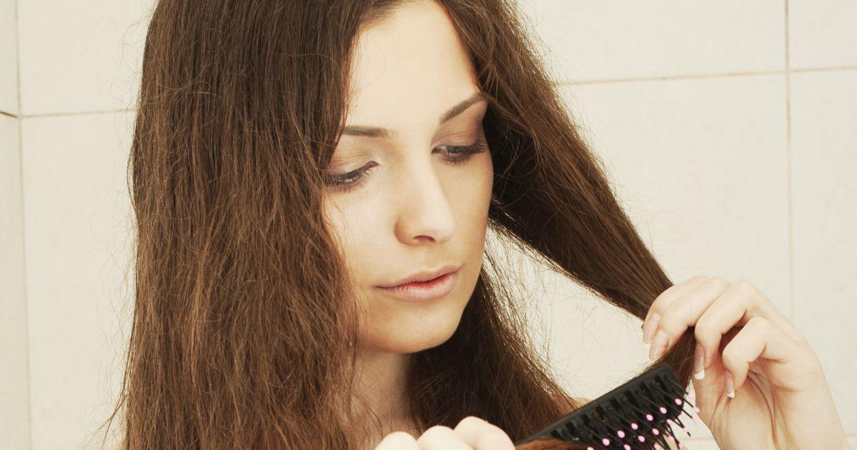 4 conseils pour limiter la perte des cheveux en automne. Black Bedroom Furniture Sets. Home Design Ideas