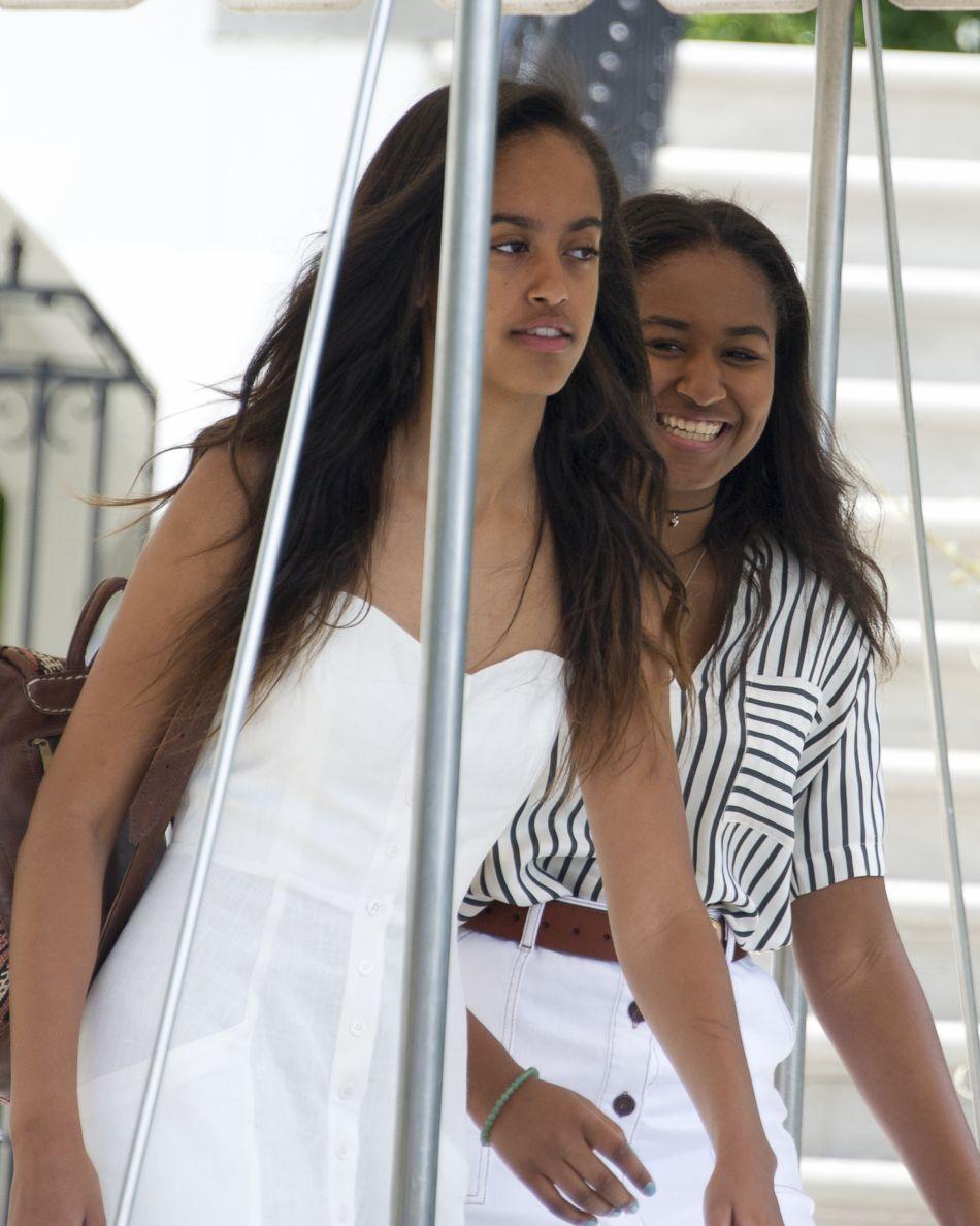 Malia, 18 ans et Sasha, 15 ans ont déjà eu des amoureux selon leur père.