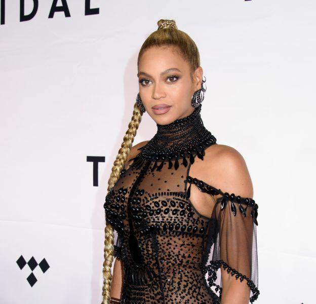 Beyoncé soutient à fond sa sœurqui vient de sortir son troisième album.
