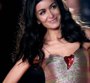 "Jenifer a récemment sorti un nouvel album, ""Paradis secret""."