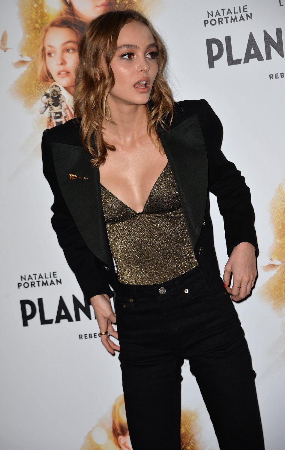 Même si Lily-Rose a finalement gardé ses cheveux longs après le tournage.