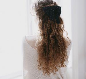 5 idées coiffures originales pour dompter ses cheveux bouclés