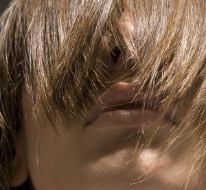 Cheveux : le henné neutre, poudre magique