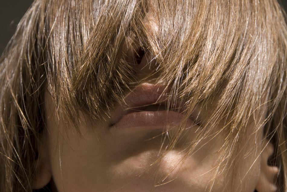 Le henné neutre sublime les cheveux.
