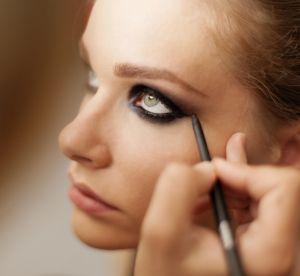 Make up : le bon matériel pour réussir un regard charbonneux