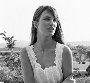 Jane Birkin : 10 pièces mode intemporelles qu'on lui pique volontiers