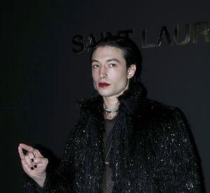 Il faut qu'on parle du lipstick d'Ezra Miller au défilé Saint Laurent