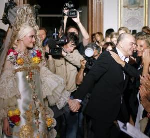 Christian Lacroix lors de sa collection Haute Couture Automne Hiver 2009 2010