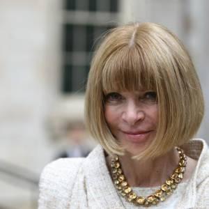 Anna Wintour, la grande prêtresse de la mode a également fait de la frange casque sa signature