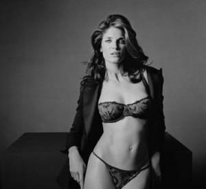 Stephanie Seymour pour Chantelle, où le come-back des tops des années 90. Outre le fait d'avoir défilé sur le podium d' Hermès, la belle a été shootée par Peter Lindbergh pour cette campagne Automne-Hiver 2008-2009.