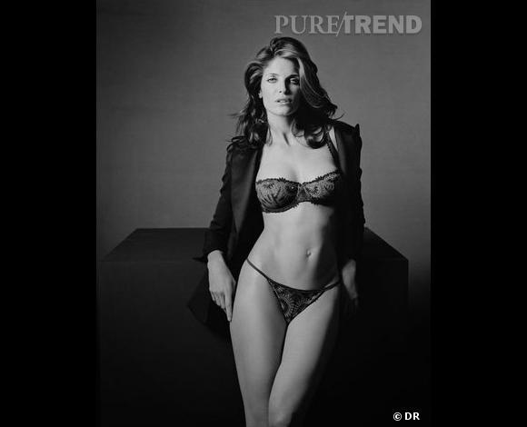 Stephanie Seymour pour   Chantelle, où le come-back des tops des années 90. Outre le fait d'avoir défilé sur le podium d'   Hermès  , la belle a été shootée par Peter Lindbergh pour cette campagne Automne-Hiver 2008-2009.