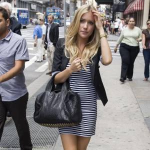 Pour Kristin Cavallari  ce sera le très tendance Coco Duffel d' Alexander Wang entre cuir et clous pour un fashion succès garanti